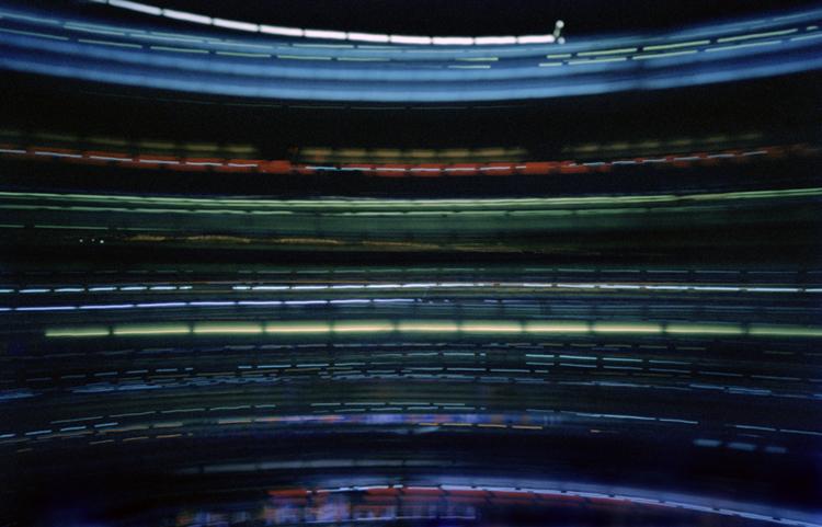 "New York - Camera Obscura, Langzeitbelichtung, Drehturmrestaurant, Fernsehturm, Lochkamera, Karen Stuke, City Lights, Lichter der Großstadt, Pinhole Camera, Marriot Hotel ""The View"", time, Zeit,"